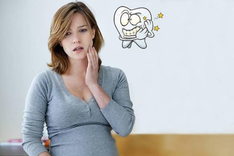 Bà bầu bị bệnh răng miệng rất dễ sinh non, con nhẹ cân