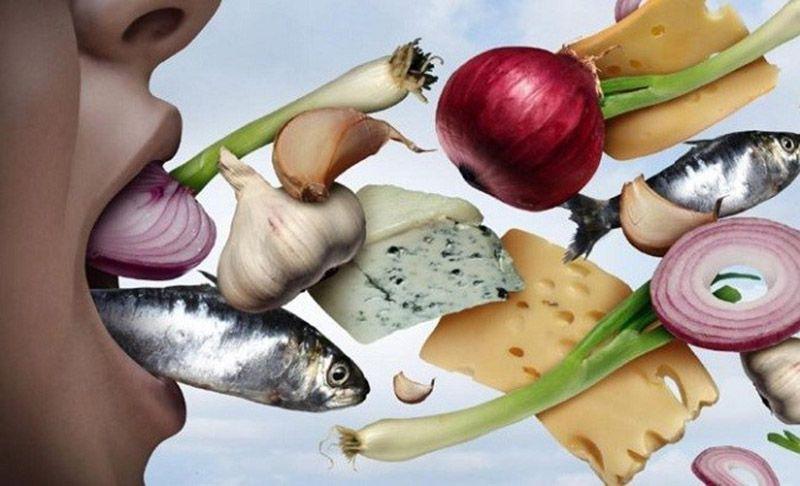 Một số loại thực phẩm cũng có thể khiến hơi thở có mùi hôi
