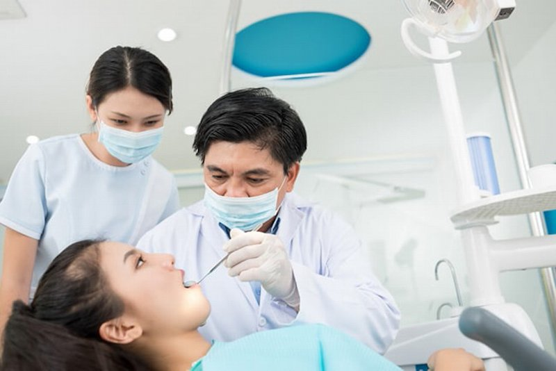 Khám nha sĩ là lưu ý quan trọng cải thiện tình trạng răng