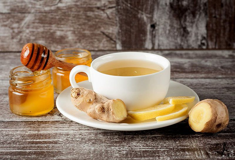 Trà gừng mật ong giúp người bệnh giảm đau nhức, cảm thấy dễ chịu hơn