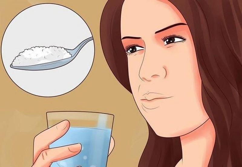 Súc miệng bằng nước muối sinh lý có tác dụng hỗ trờ điều trị bệnh