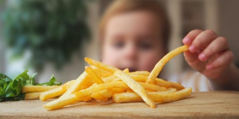 Nguyên nhân gây ra hiện tượng sún răng ở trẻ nhỏ