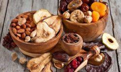 Bị áp xe răng kiêng ăn gì? Ăn trái cây khô có thể gây mắc kẽ răng