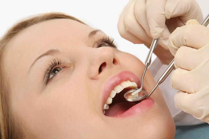 Những bệnh lý răng miệng là nguyên nhân trực tiếp gây nên ê buốt khi mang thai