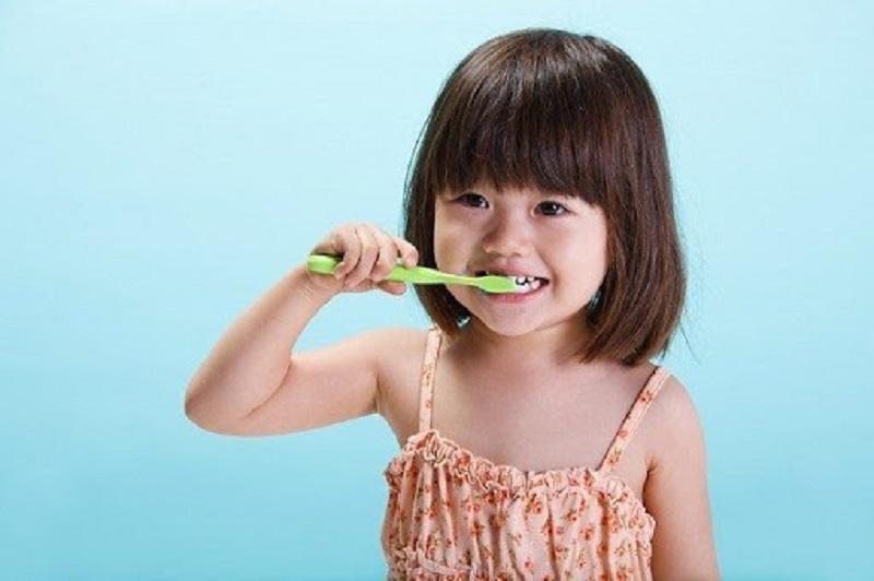 Cách phòng ngừa nhổ răng sữa lâu mọc đơn giản nhất
