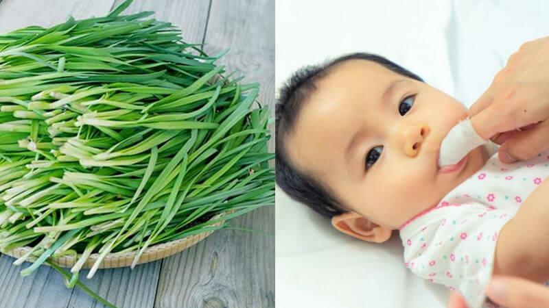 Hướng dẫn cách rơ lưỡi bằng lá hẹ cho trẻ sơ sinh