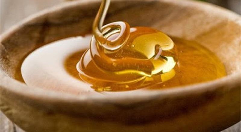 Giải đáp có nên dùng mật ong rơ lưỡi cho bé không?