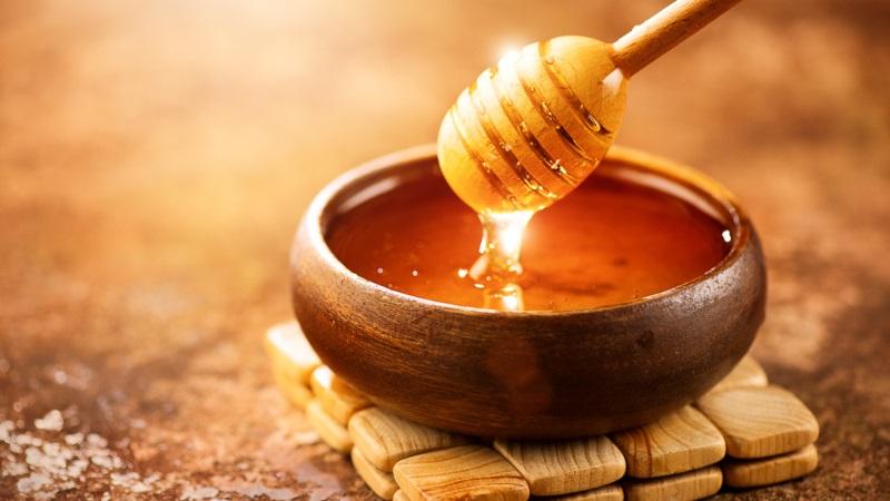 Mật ong được biết tới là nguyên liệu lành tính có tác dụng trong việc kháng khuẩn