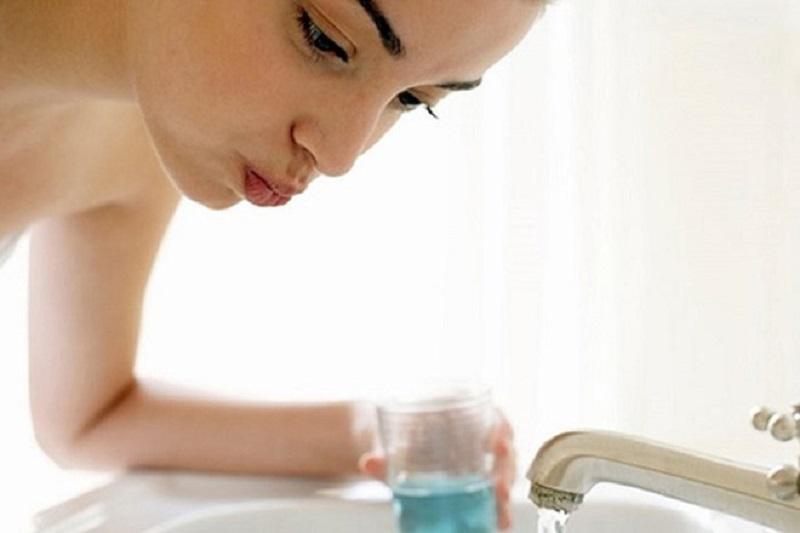 Nước súc miệng này thường được chỉ định cho bệnh nhân bị nấm lưỡi bản đồ