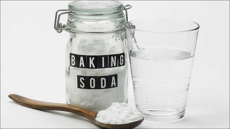 Baking soda là nguyên liệu được sử dụng để làm sạch khoang miệng nhanh chóng