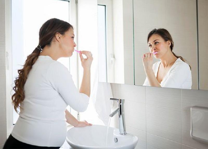 Bảo vệ răng miệng thật sạch sẽ bằng việc đánh răng 2 lần một ngày