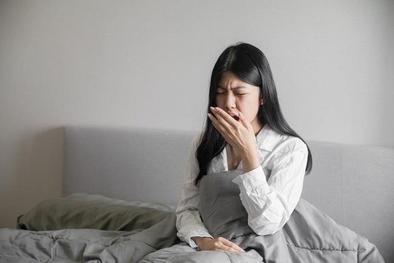 Hôi miệng lâu năm là tình trạng miệng có mùi hôi khó chịu mỗi khi thở ra hoặc nói chuyện
