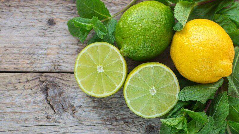 Cách trị hôi miệng và làm trắng răng bằng chanh tươi cũng rất hiệu quả do nó chứa nhiều vitamin C