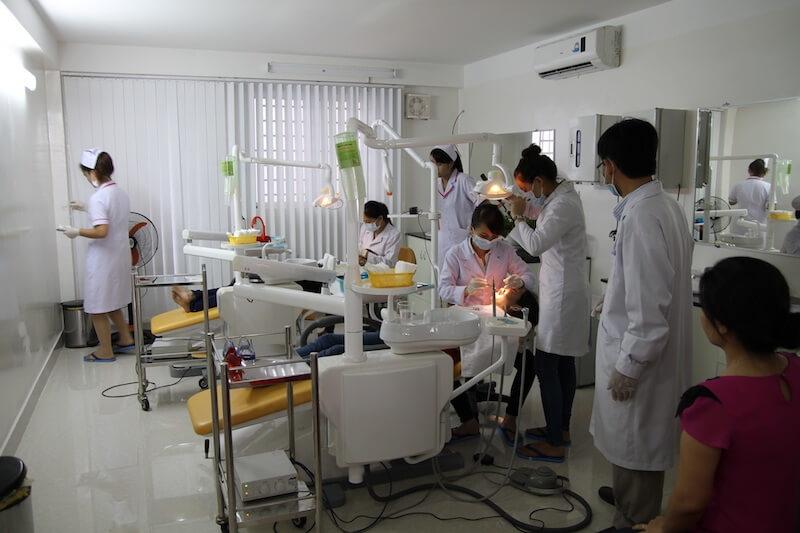 Nha khoa Hoàn Mỹ luôn đáp ứng được yêu cầu về vô trùng, máy móc nhập khẩu trực tiếp từ châu Âu