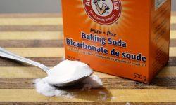 Baking soda là một loại bột có công thức hoá học là NaHCO3