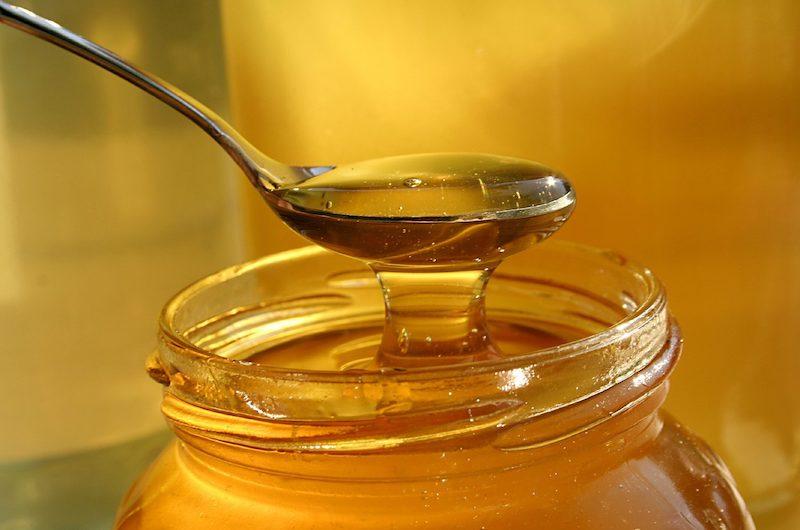 Mật ong kết hợp với gừng cũng được dùng tương đối nhiều trong các bài thuốc Đông Y.
