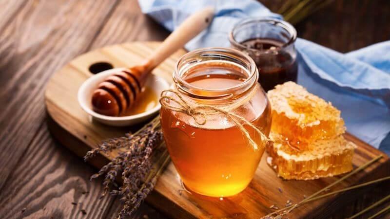 Khi áp dụng các cách chữa hôi miệng bằng mật ong, bạn cũng cần phải lưu ý một số vấn đề