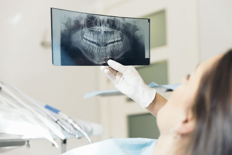Nha khoa Vĩnh Lộc đa dạng về dịch vụ, và nổi bật là dịch vụ bọc răng sứ