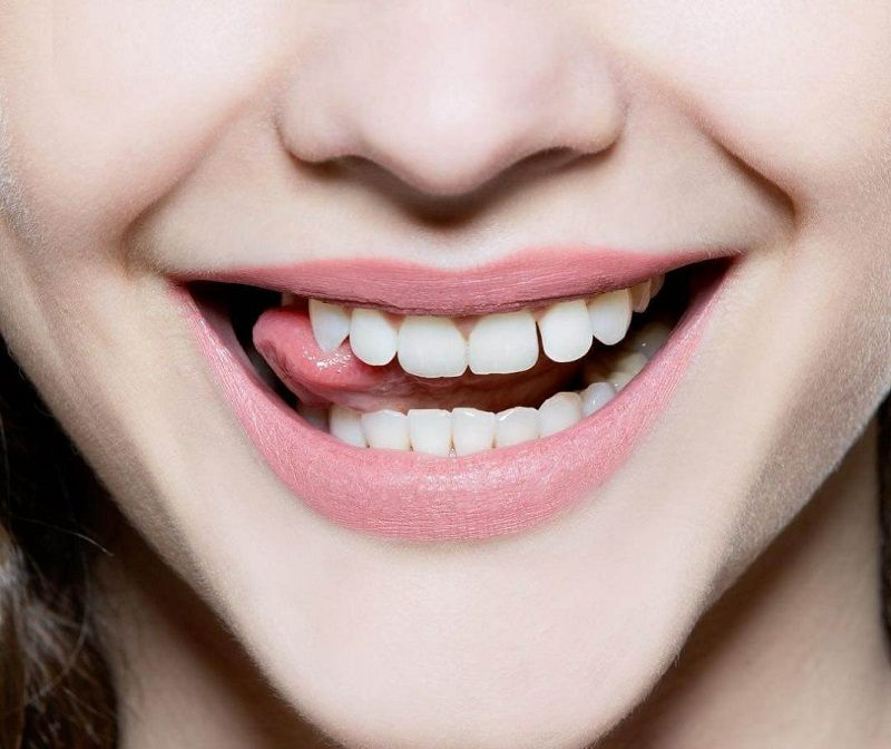Nha khoa Thế Giới 3 - Vì nụ cười cụ bạn