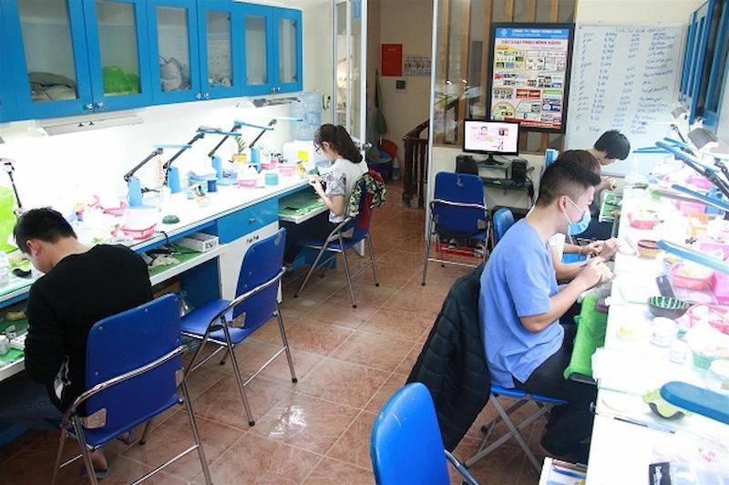 Xưởng sản xuất răng giả của nha khoa Xuân Hương