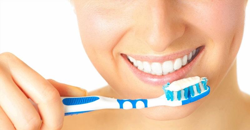 Chải răng đúng cách 2 lần/ngày