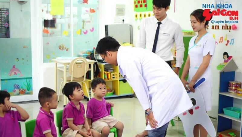 Nha khoa Sài Gòn B.H có hơn 15 năm kinh nghiệm với 3 chi nhánh tại thành phố Biên Hoà