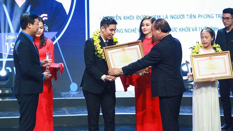 Nha khoa Phương Thành nhận bằng khen của Thủ tướng Chính phủ