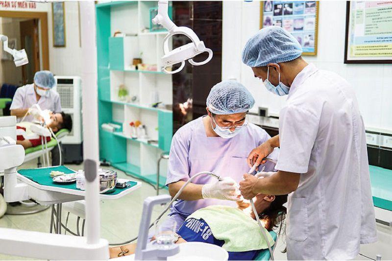Lấy cao răng tại Phòng khám nha khoa Vạn Mỹ