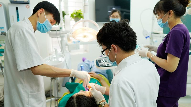 Nha khoa Phương Nam có đội ngũ y bác sĩ dày dặn kinh nghiệm chuyên môn