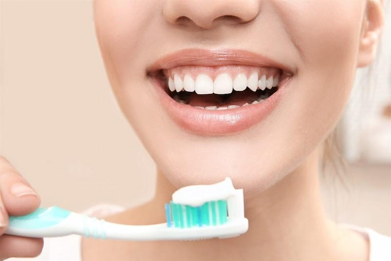 Nên kết hợp phương pháp điều trị và vệ sinh răng miệng để bệnh nhanh khỏi hơn
