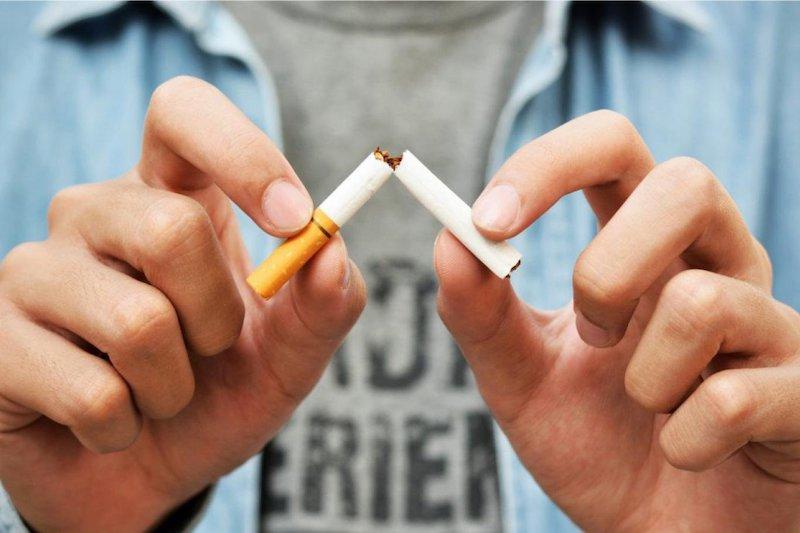 Hút thuốc lá ảnh hưởng rất nhiều đến sức khoẻ răng miệng