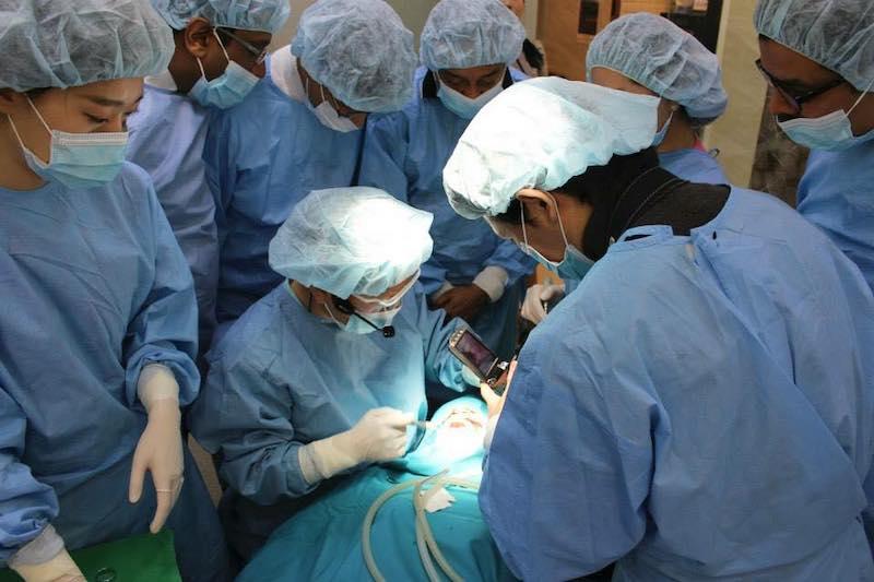 Nha khoa Thăng Long có đội ngũ bác sĩ tay nghề cao