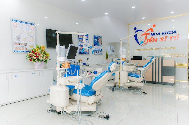 Nha khoa Tiến sĩ Tú có đội ngũ bác sĩ và hệ thống máy móc hiện đại
