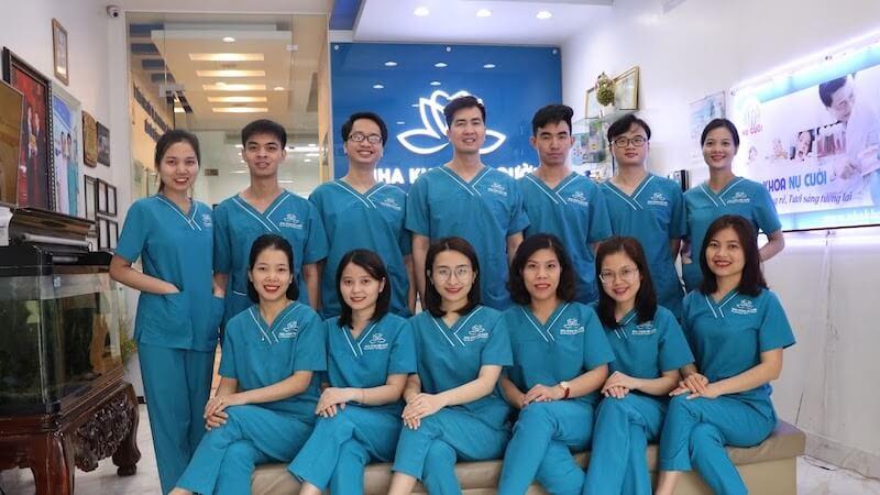 Nha khoa Nụ Cười thành lập từ năm 2009, là trung tâm chăm sóc RHM theo tiêu chuẩn châu Âu