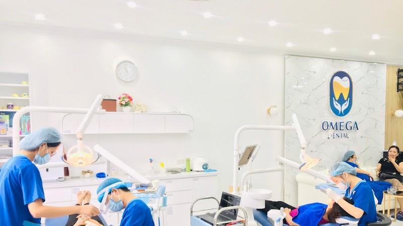 Nha khoa Omega Dental có trang thiết bị hiện đại với các chuyên gia đầu ngành